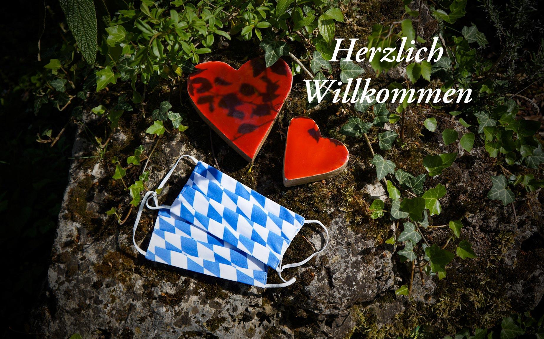 Mundschutzmasken im bayrischen Design